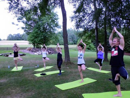 Power jóga a pilates pod břízami – 18.7. a 15.8. 2015