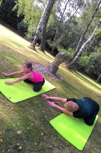 FOTOGALERIE – Power jóga a pilates pod břízami – 23.7. a 20.8.