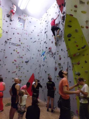 Lezení na lezecké stěně v Jihlavě – 21.11.2015